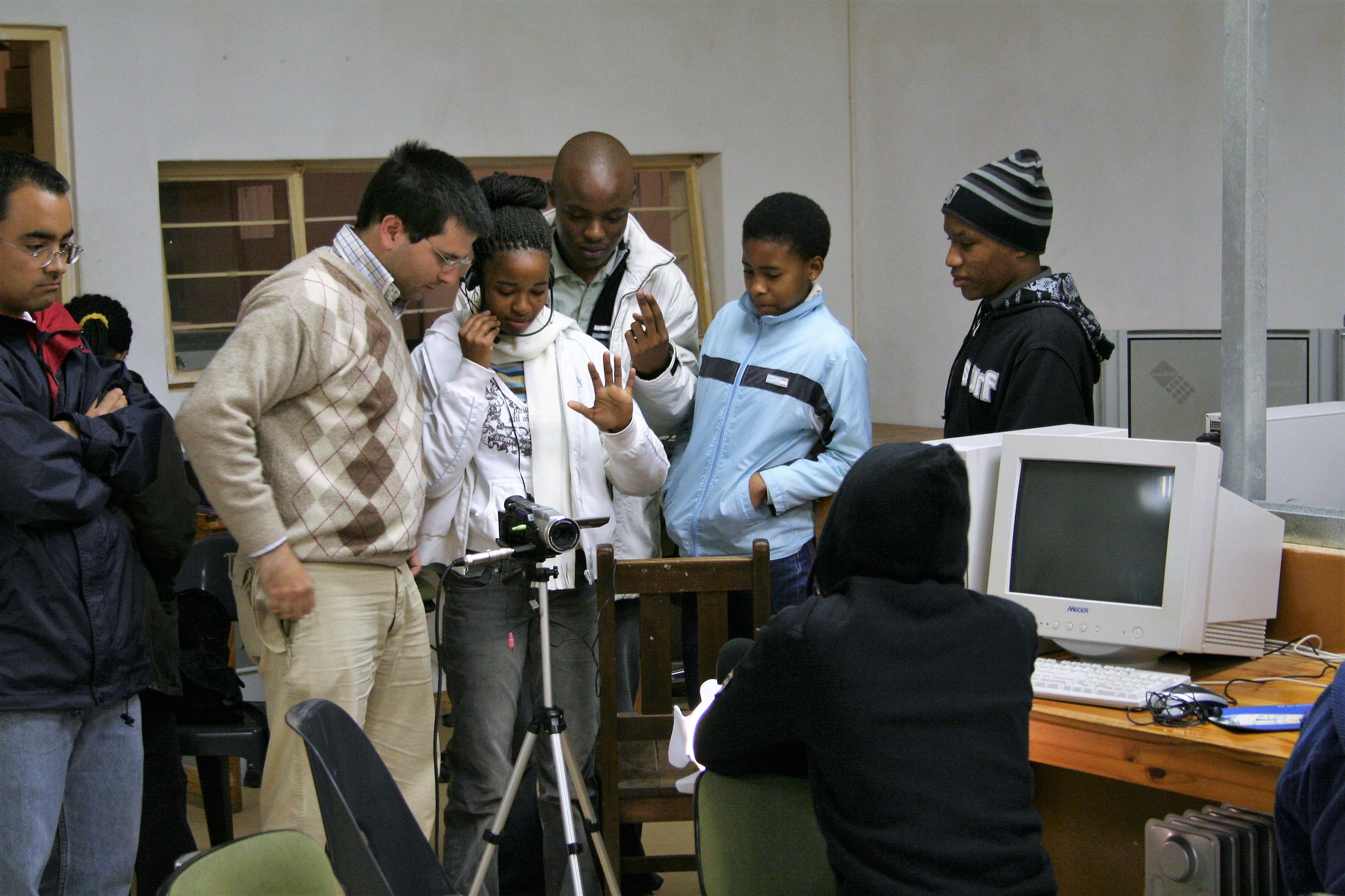 Vincix 4 Africa - Mmakau